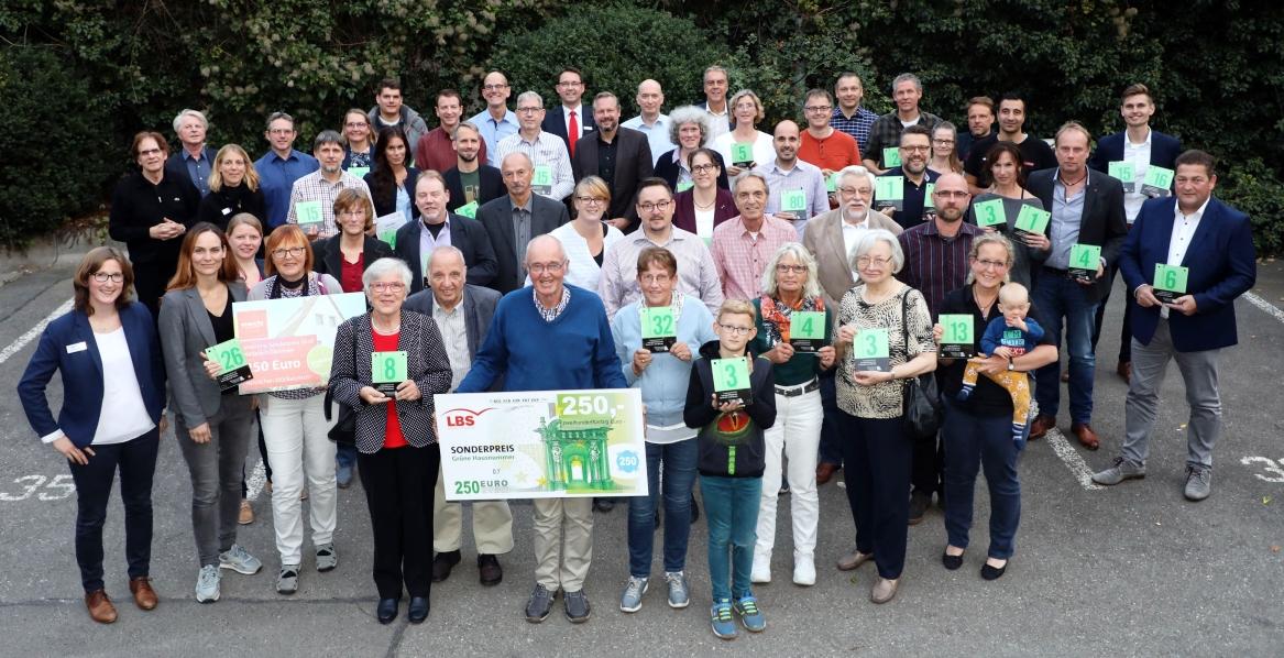 """""""Grüne Hausnummer"""" für 39 Einwohner energieeffizienter Gebäude"""